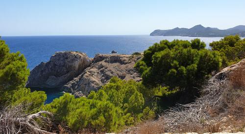 Zee vanaf rotsen in Mallorca